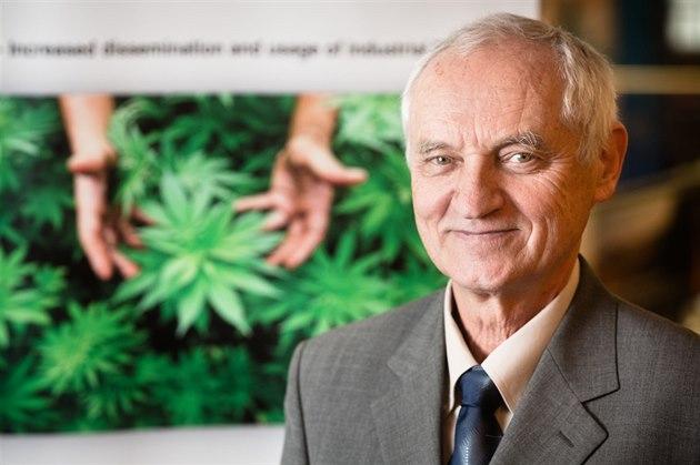 Dr. Lumír Hanuš